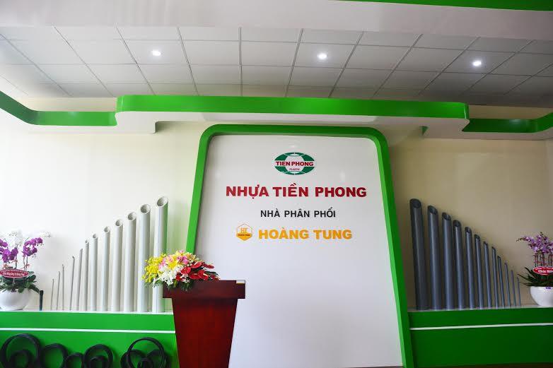 Hoàng Tung khai trương Showroom nhựa Tiền Phong